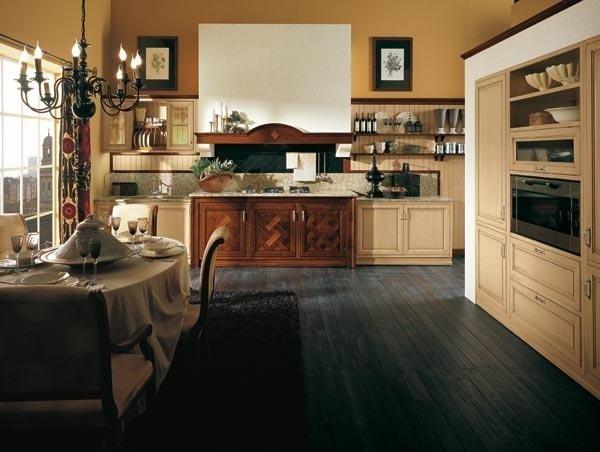 Cucina Mod. Versailles ante in tiglio laccate blocco centrale con ante in noce nazionale intarsiato