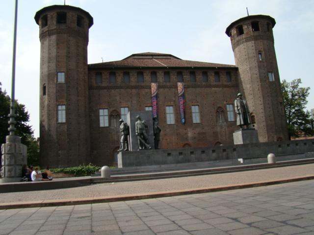 Castello con torri