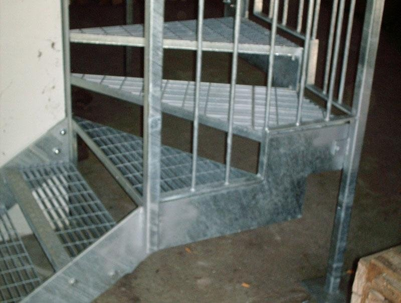 scala esterno benigno canavese