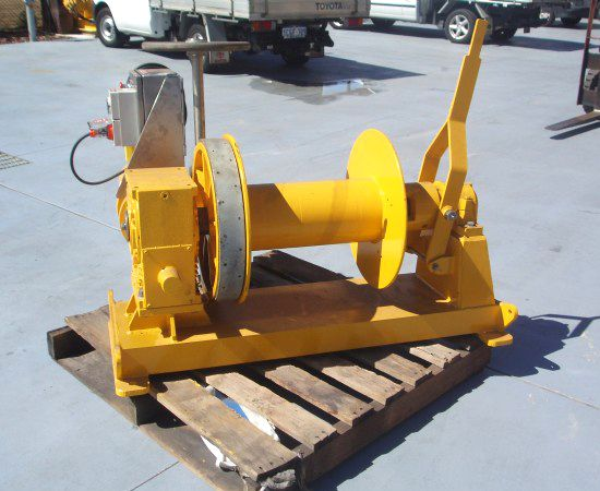 2 Tonne Electric Winch IM-2TE-00X