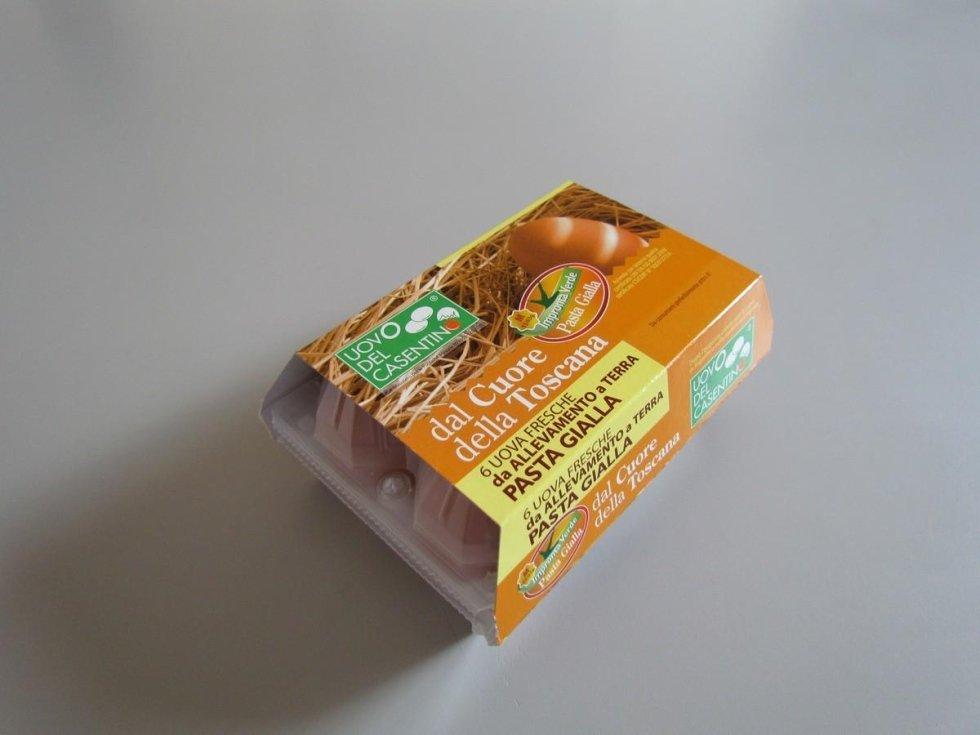 uova da allevamento a terra a pasta gialla
