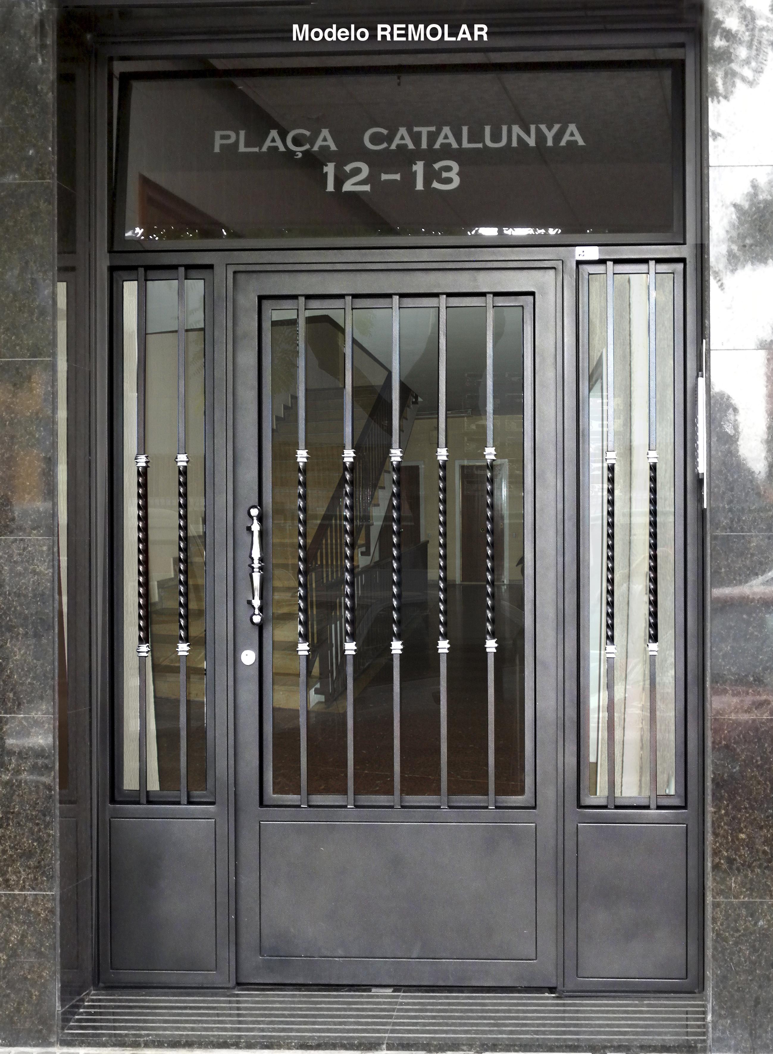 Puertas de forja excellent puerta en forja with puertas for Puertas hierro exterior