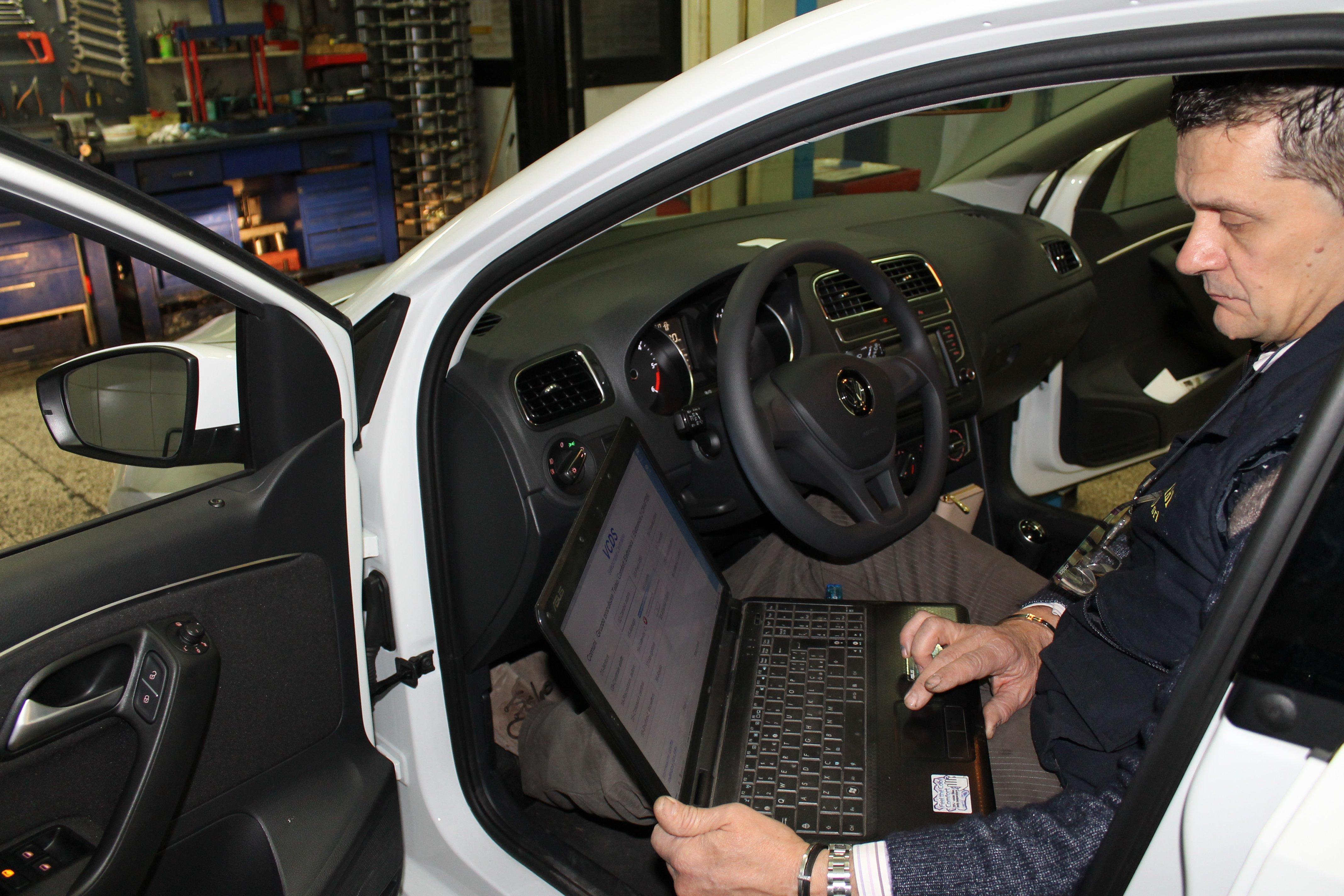 controllo elettronico auto