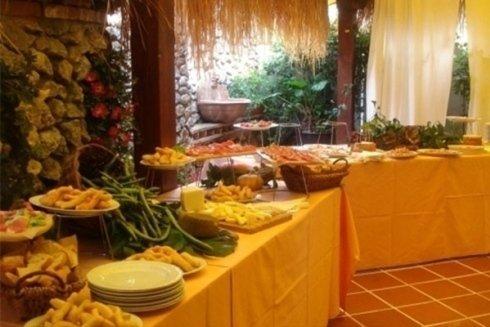 Servizio catering con buffet