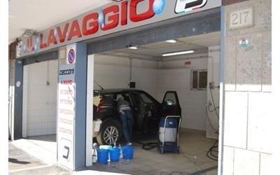 Lavaggio auto a mano Roma