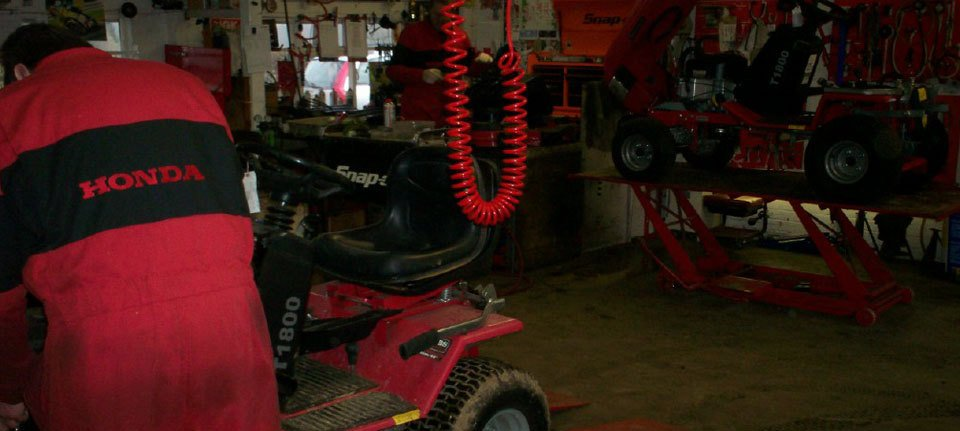 Garden machinery and servicing