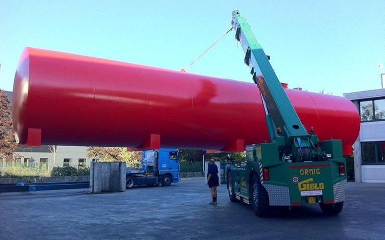 Movimentazione silos di grandi dimensioni