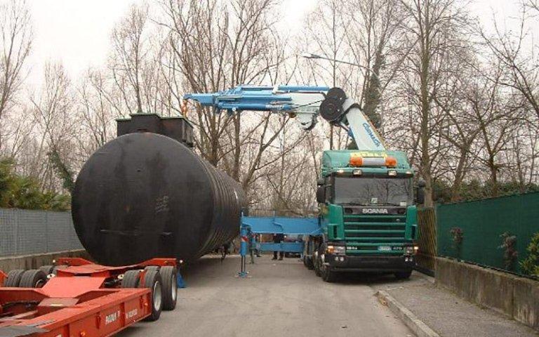 Posizionamento silos di grandi dimensioni