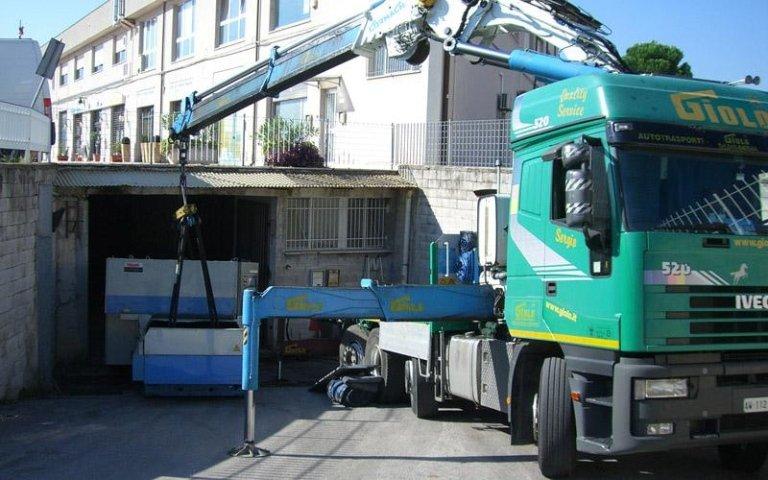 Movimentazione e posizionamento macchinari e attrezzature