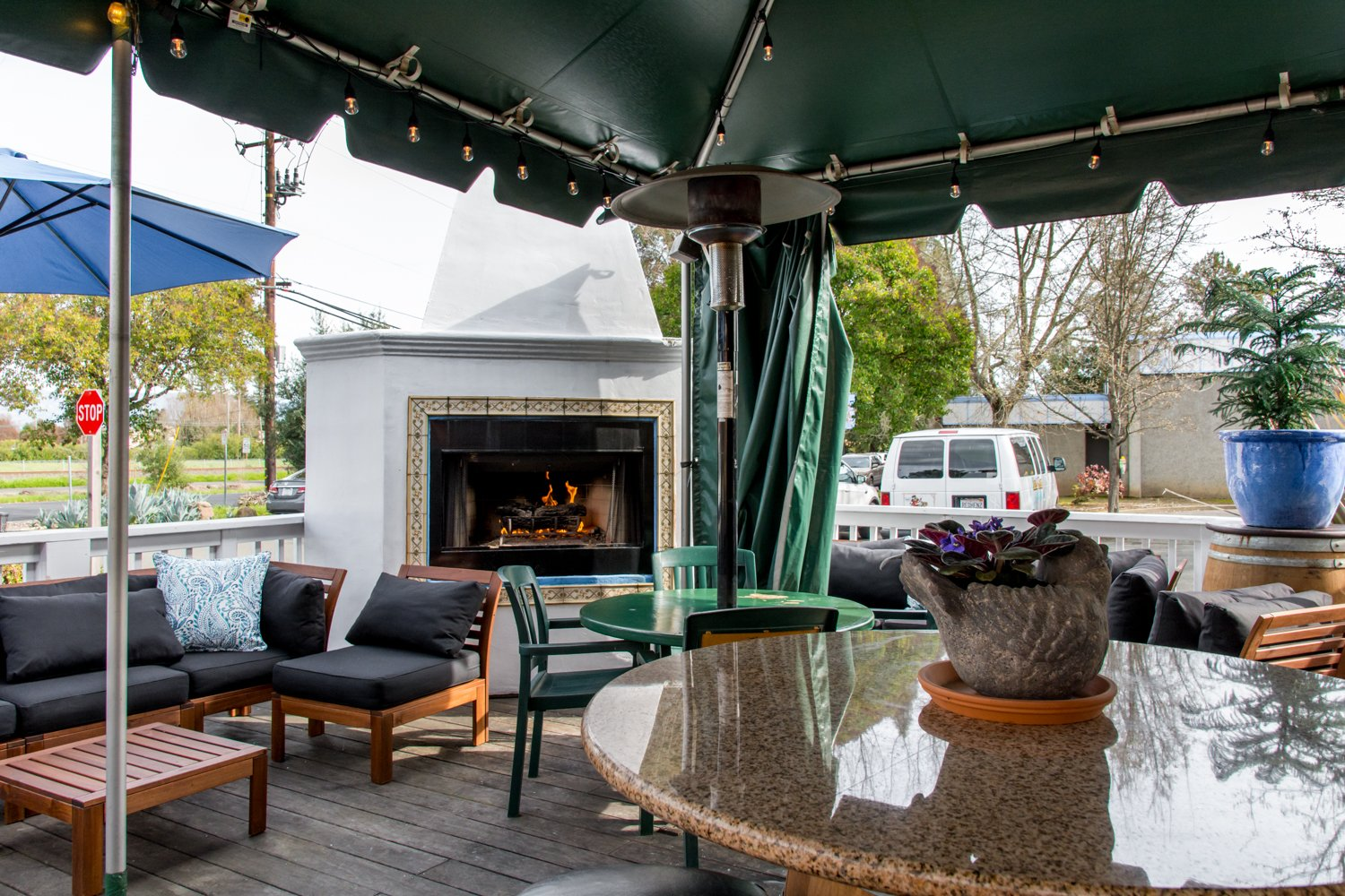 Red Hen Bar and Grill patio and fireplace