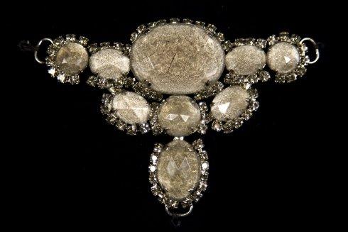 gioiello pietre classiche
