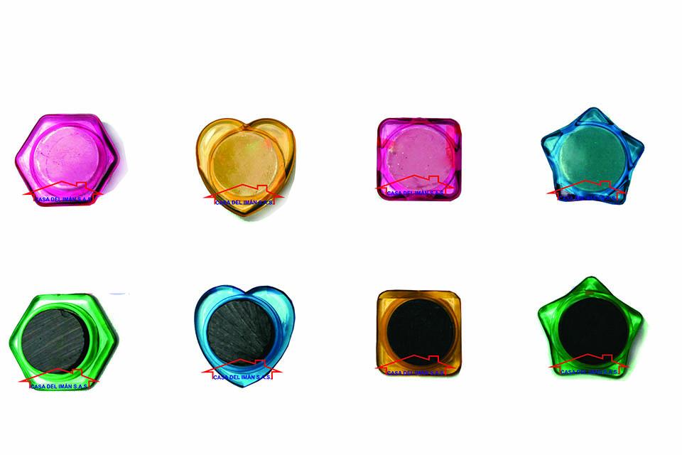 Casa del Iman - Botones magnéticos