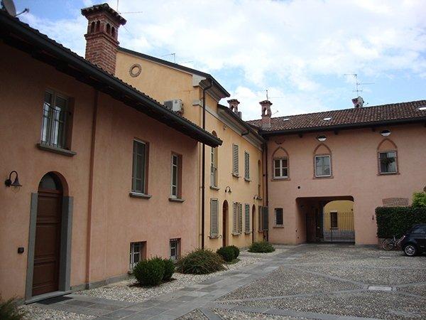Recupero complesso residenziale in centro storico Pieve Porto Morone (PV)