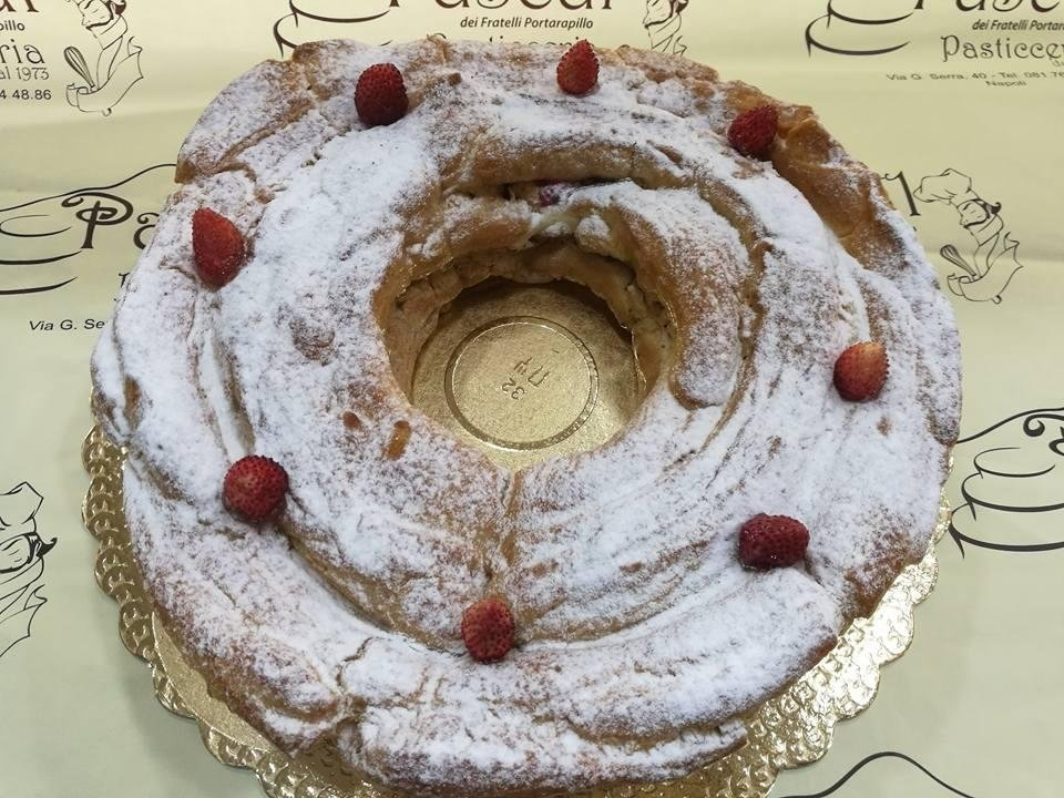 Ciambella crema chantilly e fragoline