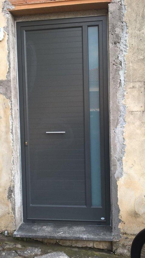 progettazione realizzazione e posa in opera porte e finestre