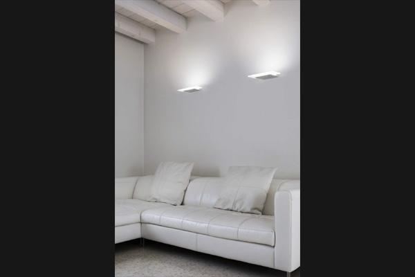 doppia lampada da parete