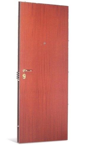 una porta in legno