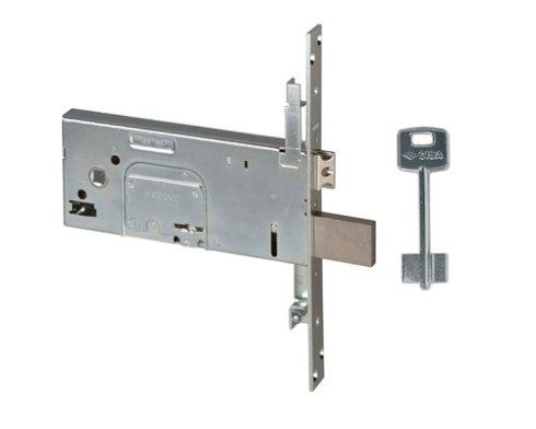 una serratura in metallo e una chiave