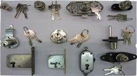 delle serrature blindate in ferro