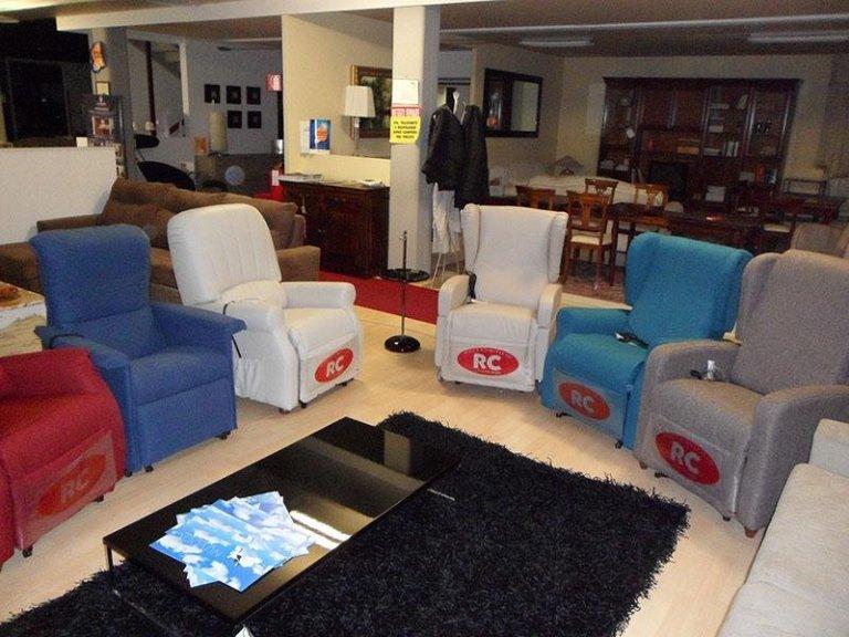 Vasto Assortimento divani e poltrone RC