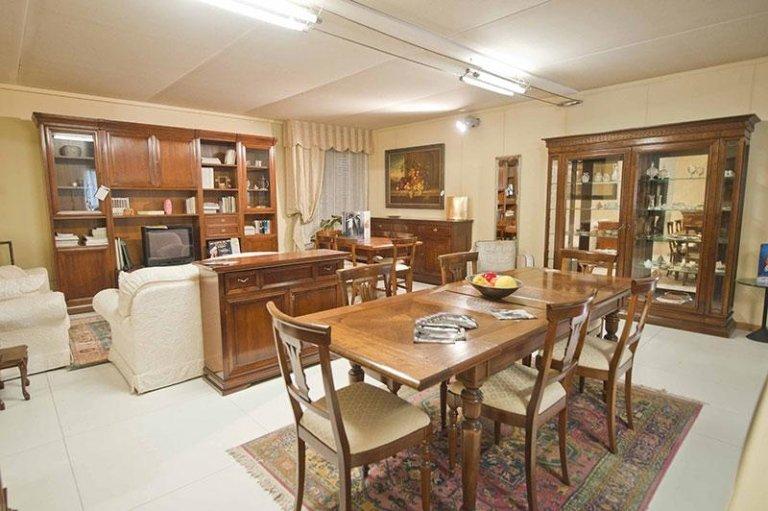 Soggiorno - Vista showroom - Le Fablier e Tavolo Marchetti
