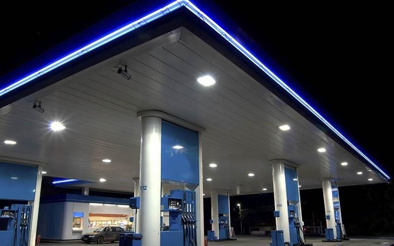 distributori di carburante e stazioni di servizio