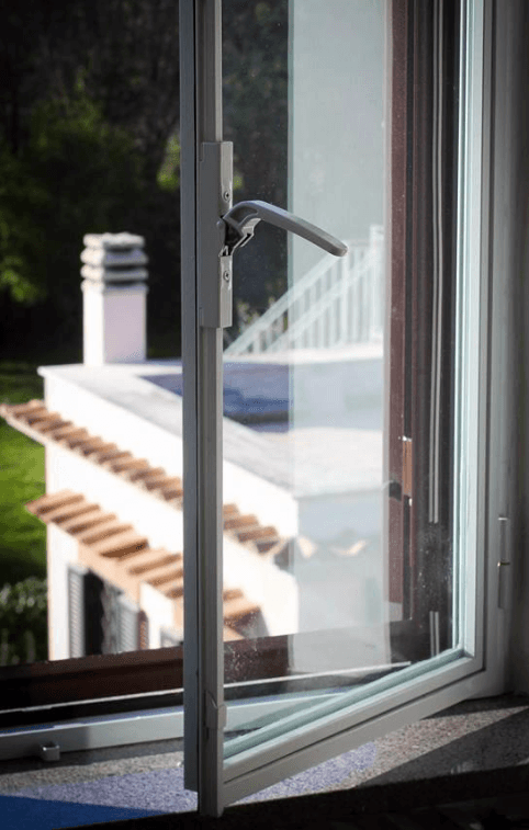 ferro e finestra