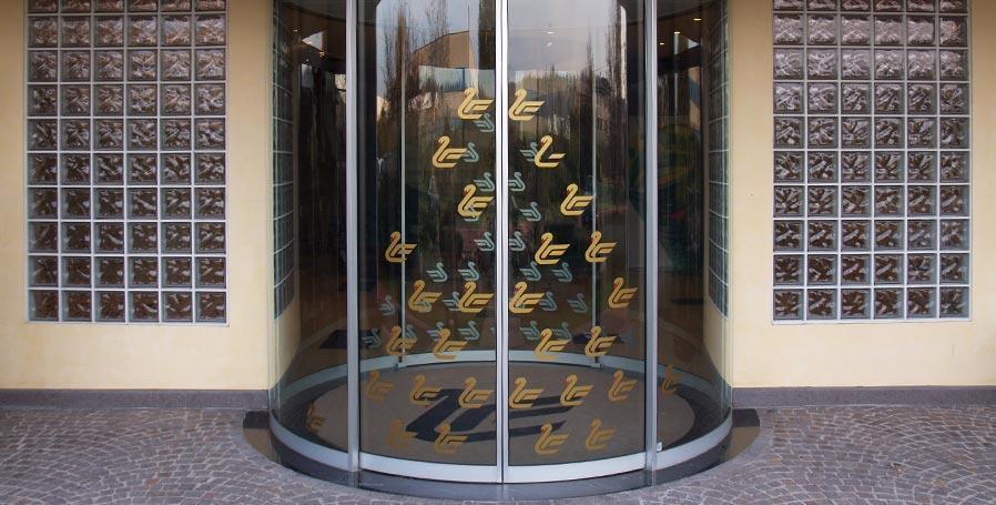 Produzione porte automatiche verona automacenter - Estintore in casa ...
