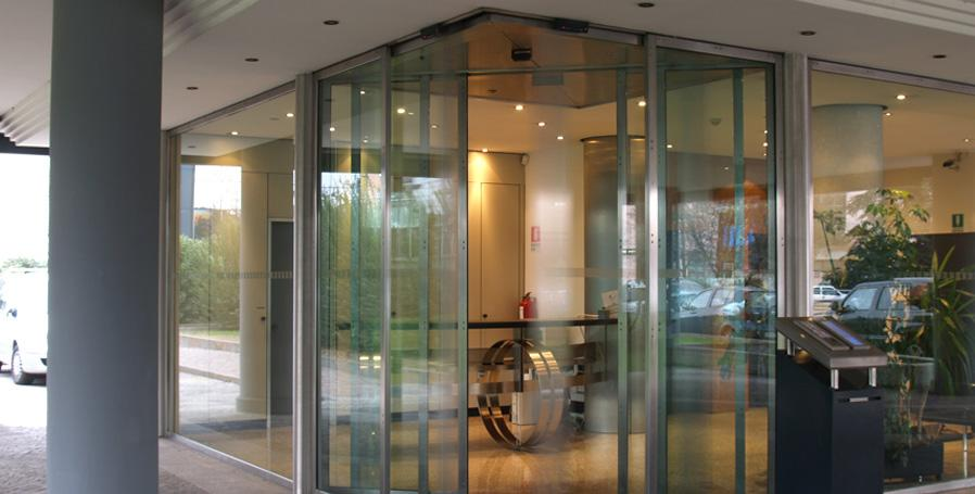 Porte di ingresso per negozi