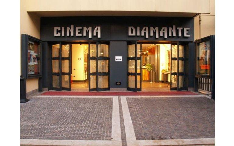 porta scorrevole per cinema