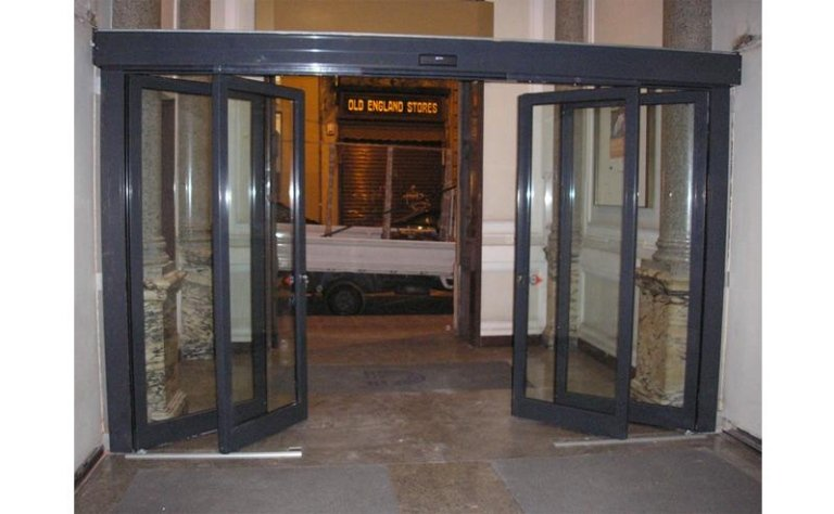 Sistema di uscita di sicurezza automatica 1