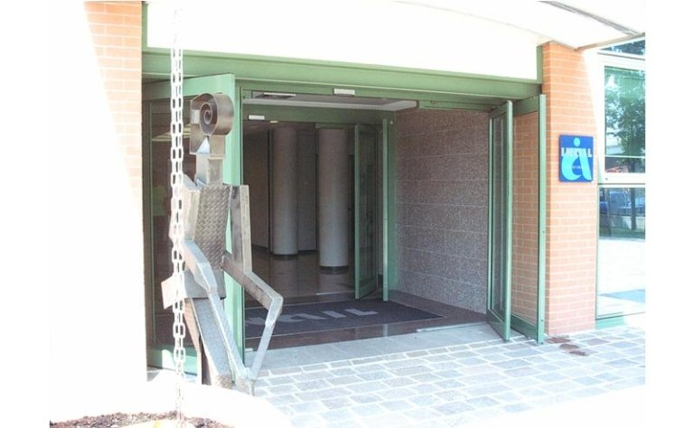Sistema di uscita di sicurezza automatica 11