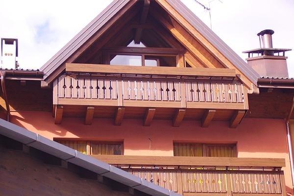 realizzazione infissi e balcone