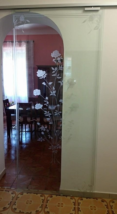porte decorate in vetro per interni