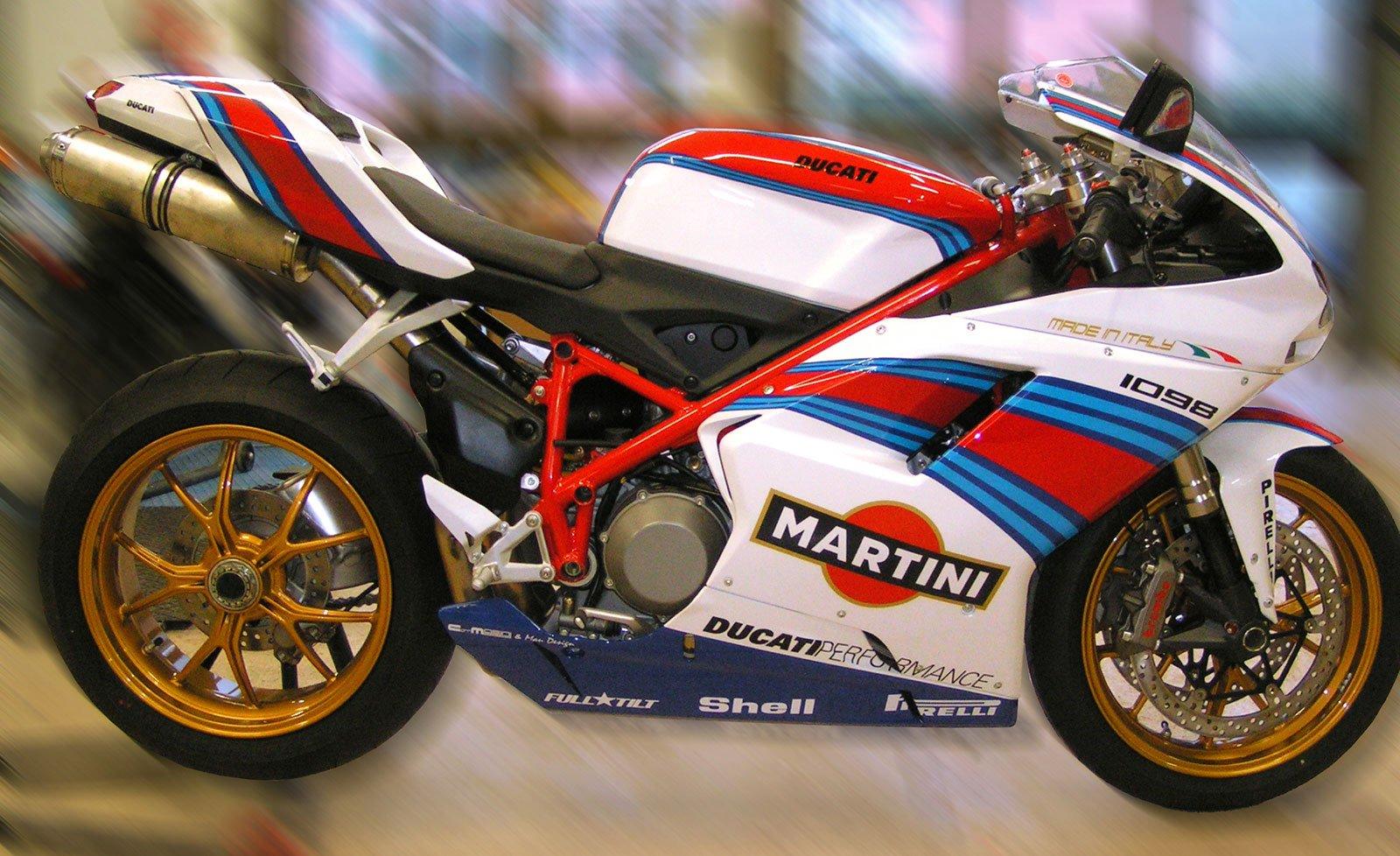 un modellino di una moto Ducati