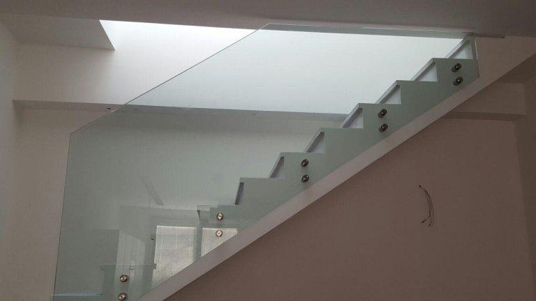 scale e strutture in vetro