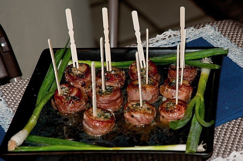bacon wrapped appetizer