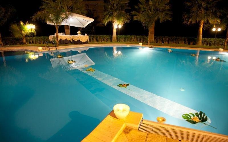 piscina per matrimoni