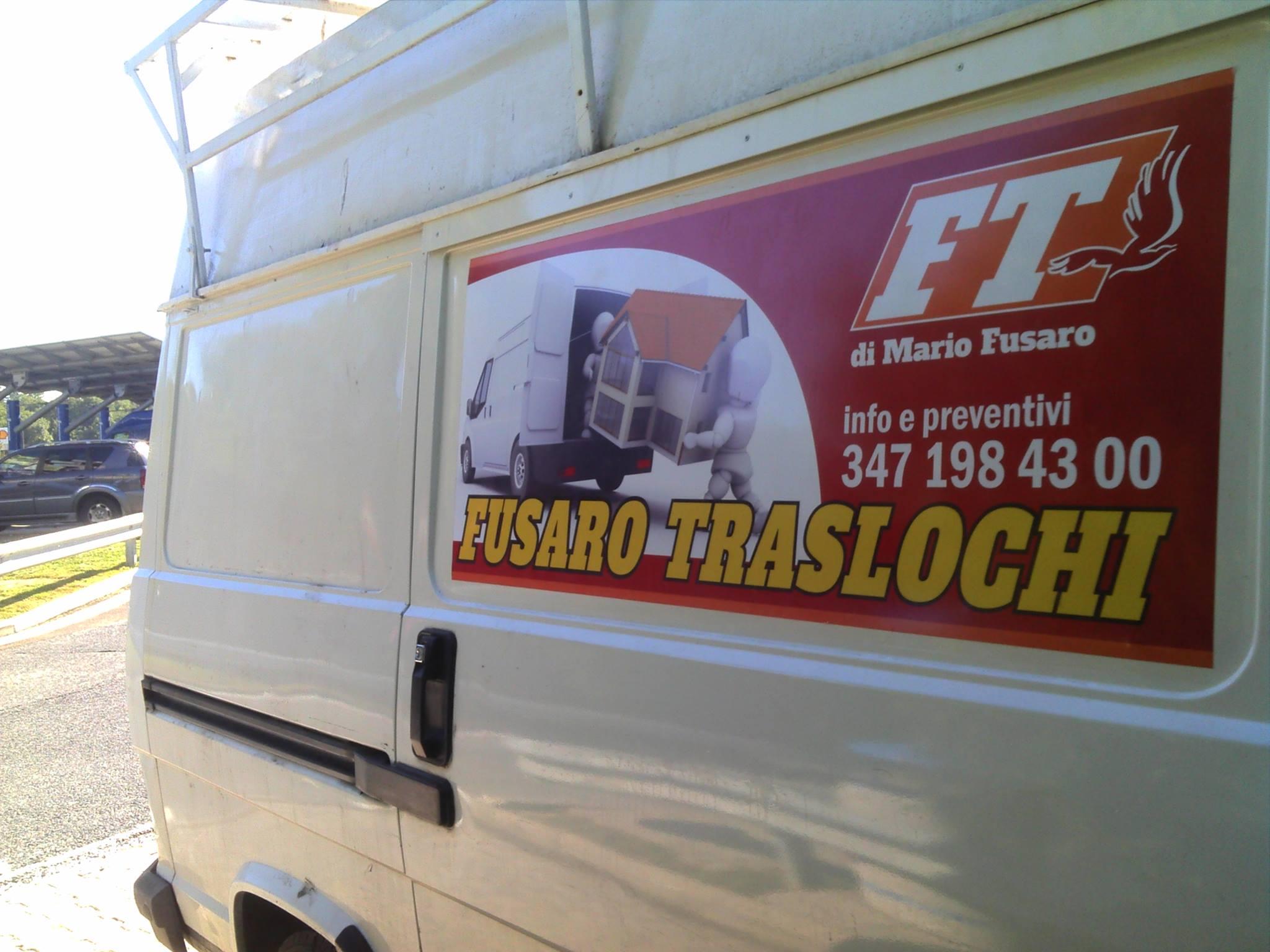 furgone traslochi bianco