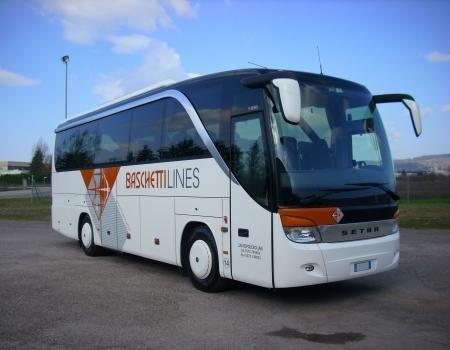 bus 44 posti