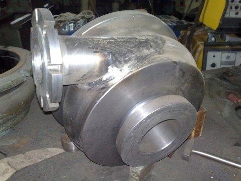 parte di motore in metallo