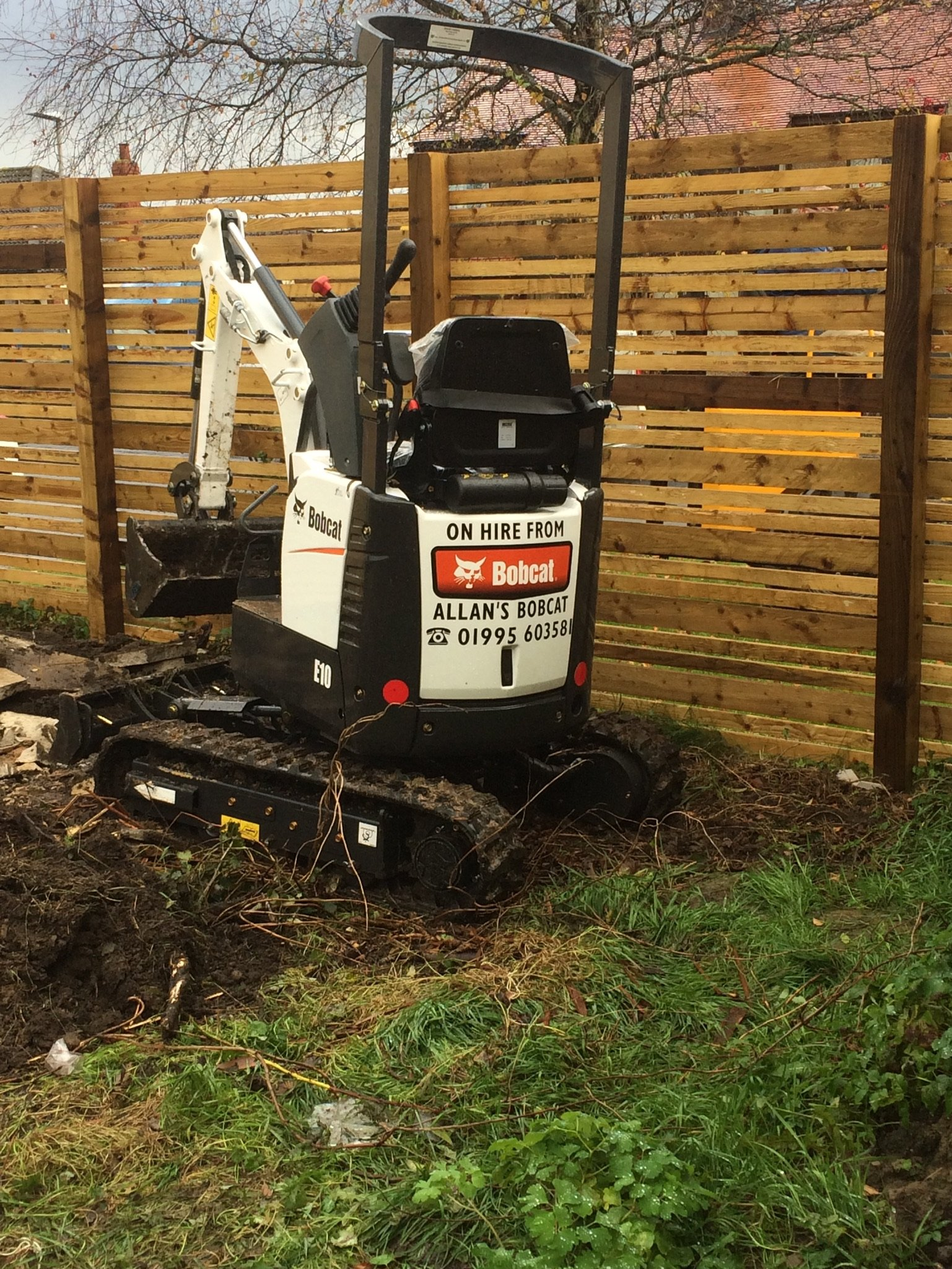 Bobcat mini plant hire