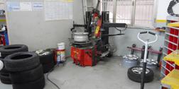 montaggio e riparazione pneumatici