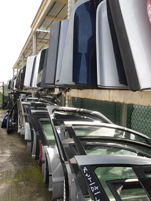 delle portiere d'auto