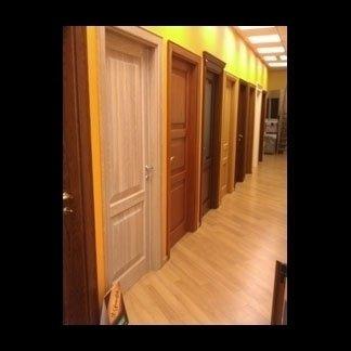 Porte per interni in legno pregiato