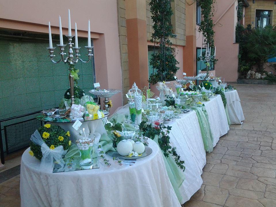 Tavoli da buffet all'esterno