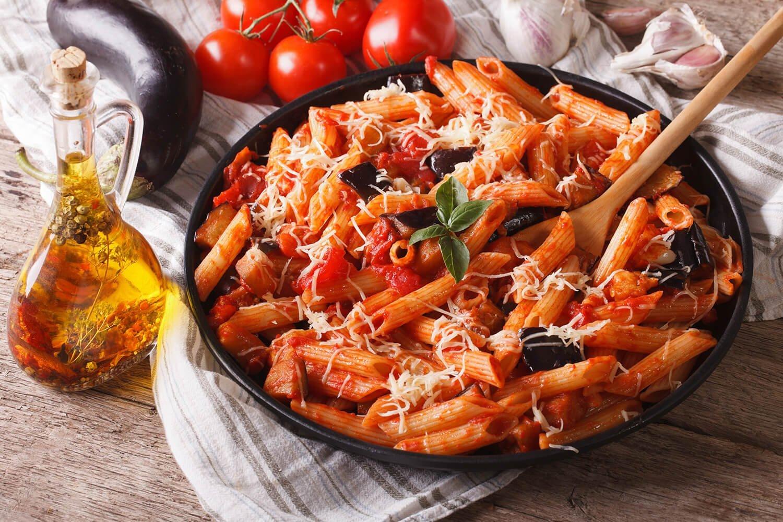 piatto di pasta alla norma nel Salernitano