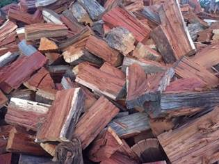 CHopped pieces of wood