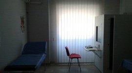 interno dello studio e  una sedia