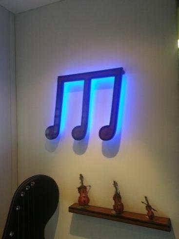 Lampada a forma di nota musicale